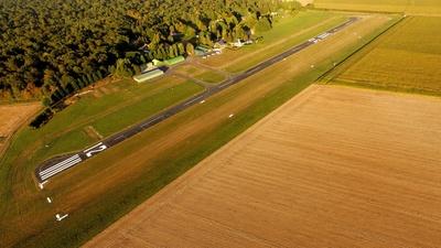 Offre stationnement/propriété Places de Hangars - Avion / ULM - Est de Paris