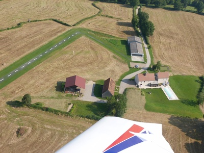Offre stationnement/propriété Propriété avec aérodrome privé